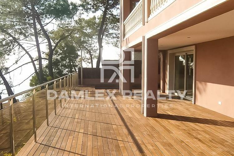 New villa with sea views in Lloret de Mar.
