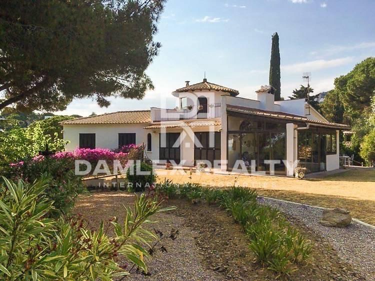 Villa is 10 minutes from the beach. Lloret de Mar
