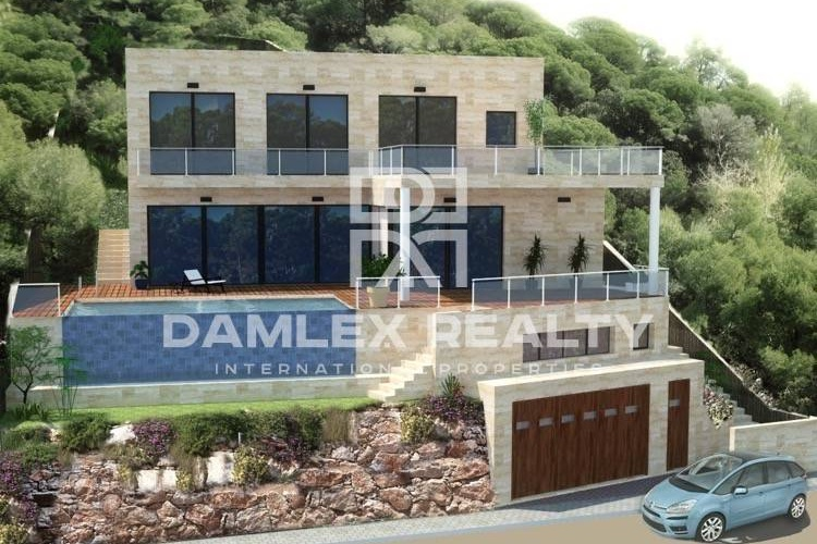 New modern villa with sea views in Lloret de Mar