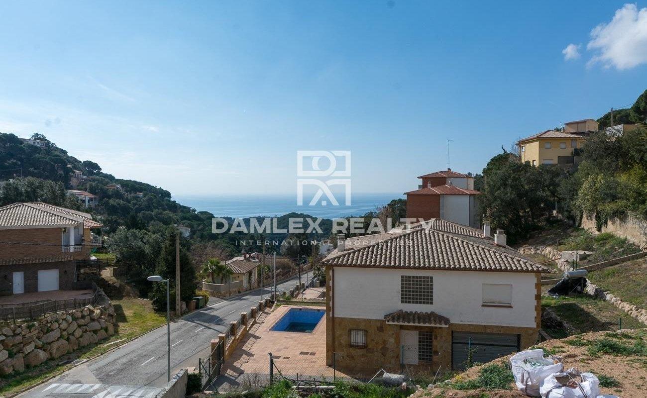New style villa in a beautiful urbanization on the Costa Brava
