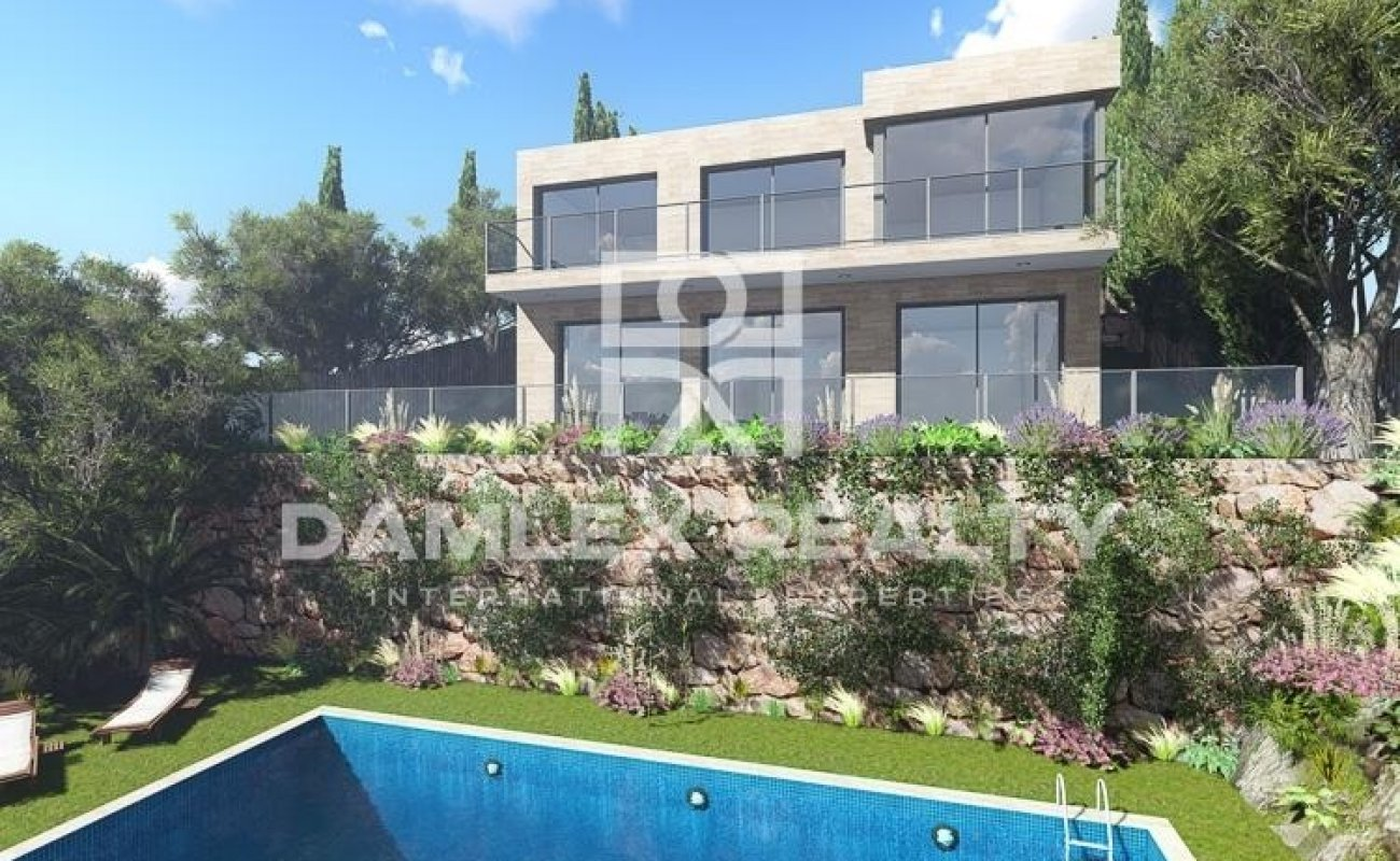 New modern villa with sea views on the Costa Brava