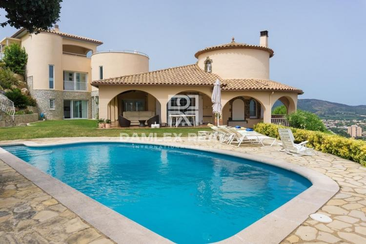 Villa with sea and mountain views in Calonge. Costa Brava