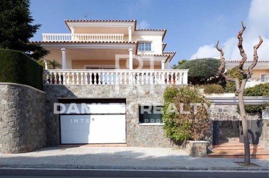 House in Premia de Dalt, with land of 1000 m2