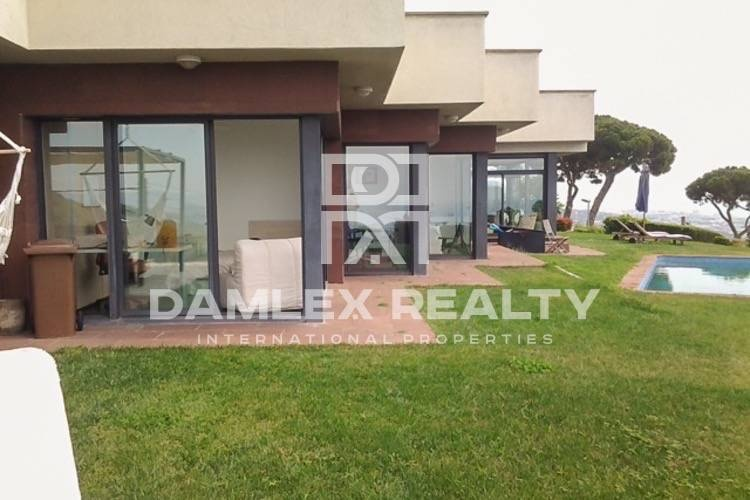 Villa with panoramic sea views in the town of Premia de Dalt. Costa de Barcelona