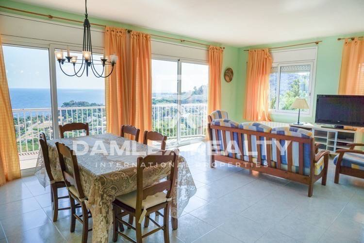 Villa with sea views in the urbanization of the city of Blanes