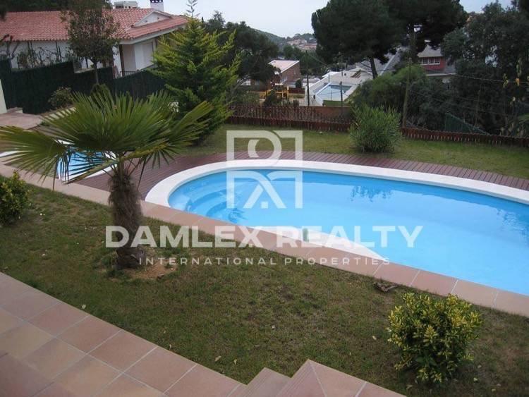 New villa with swimming pool, sauna and sea views. Lloret de Mar