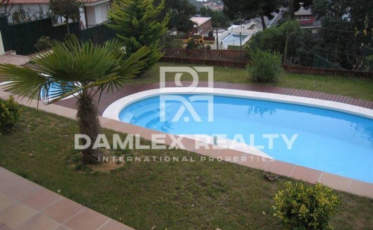 New villa with swimming pool, sauna and sea views. Lloret de Mar
