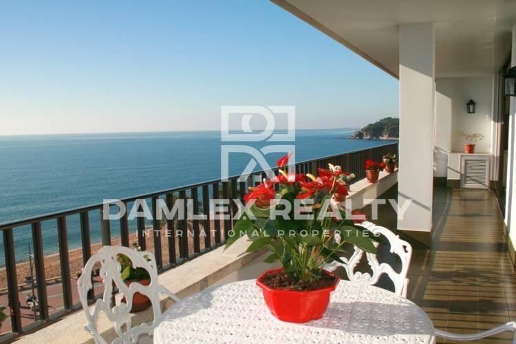 Duplex on the promenade of Lloret de Mar. Costa Brava