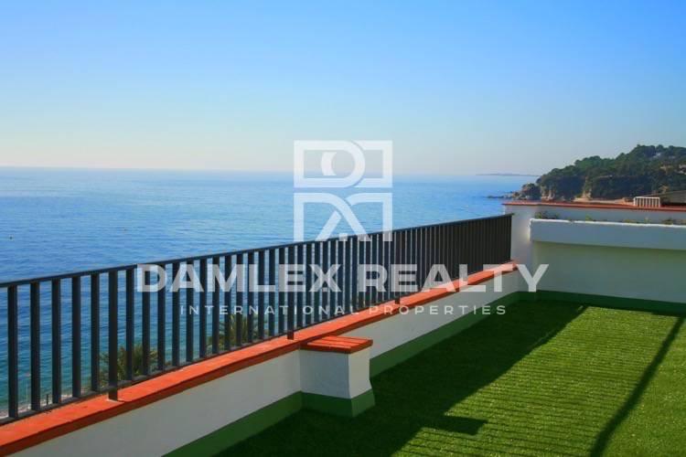 Duplex on the promenade of Lloret de Mar. Costa Brava