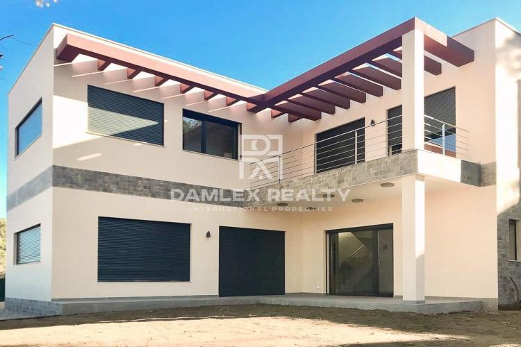 New villa in the city of Sagaro