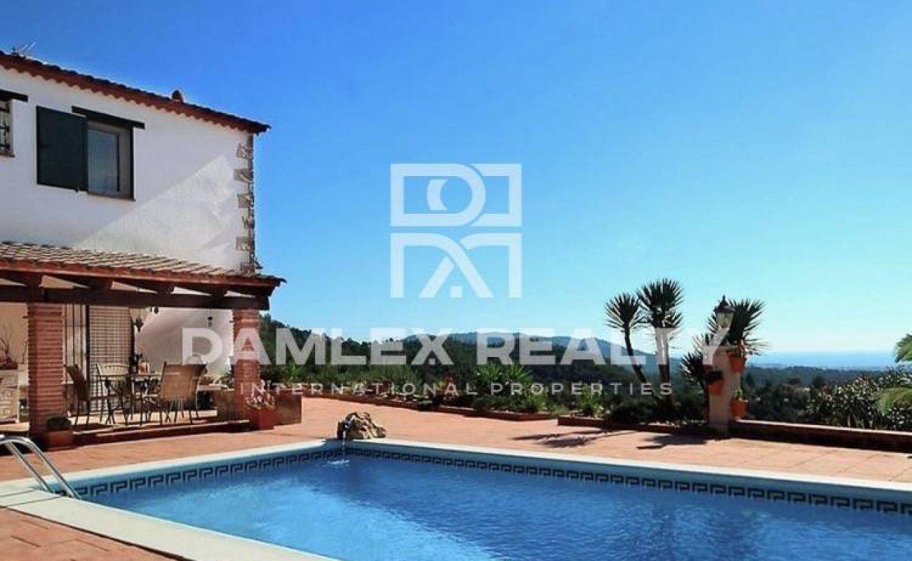 Villa in Lloret de Mar with rustic style