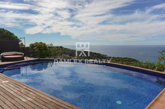 New modern villa in Lloret de Mar