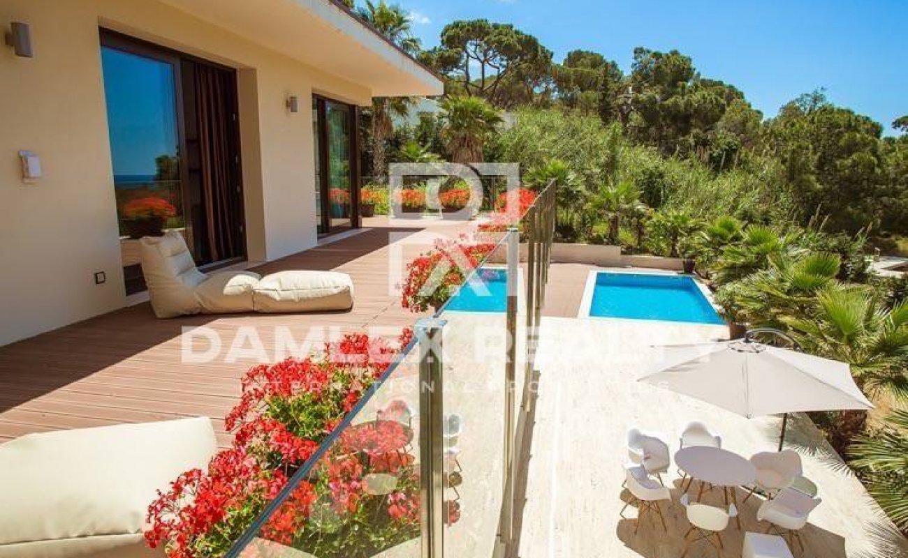 Villa in Tossa de Mar, in a gated urbanization