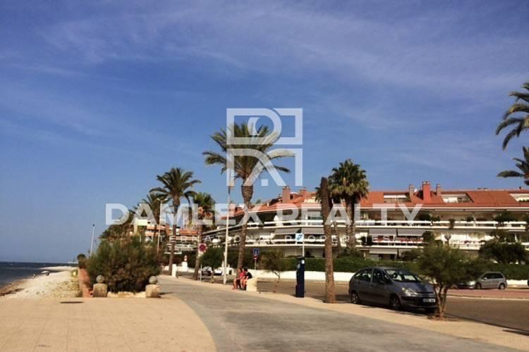Apartment in first line of the sea, Costa Garraf.