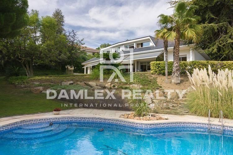 Luxury villa in San Vicenç de Montalt with sea views