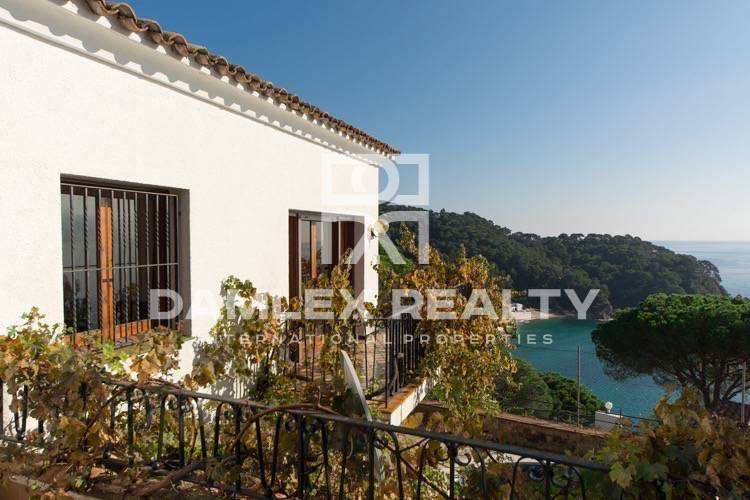 Villa views to magnificent bay. Costa Brava