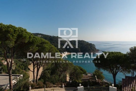 Villa views to magnificent bay. Costa Brava