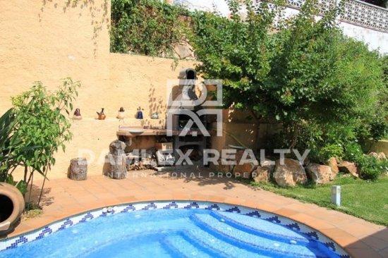 House / Villa with 3 rooms, plot 500m2, for sale in Lloret de Mar, Costa Brava