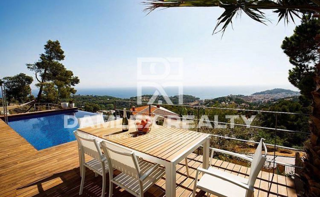 New villa with sea views in Lloret de Mar