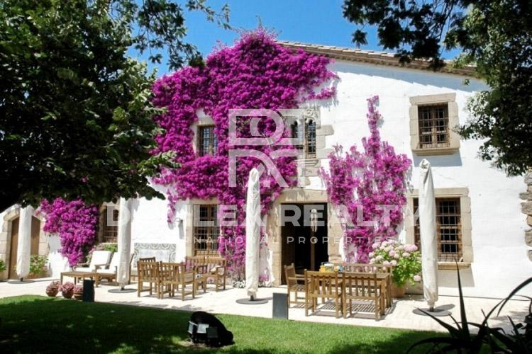 Traditional Catalan style house, 500 meters from the beach, Costa Brava.
