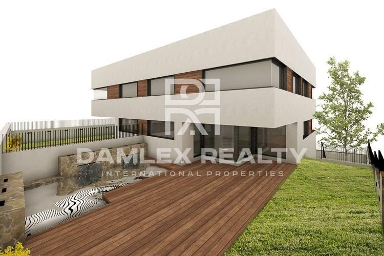 New spacious house on the outskirts of Barcelona,