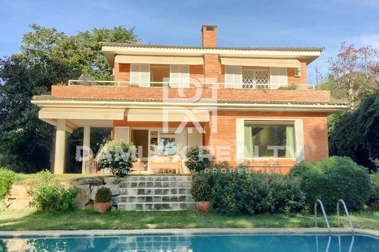 Villa with sea views. Costa de Barcelona