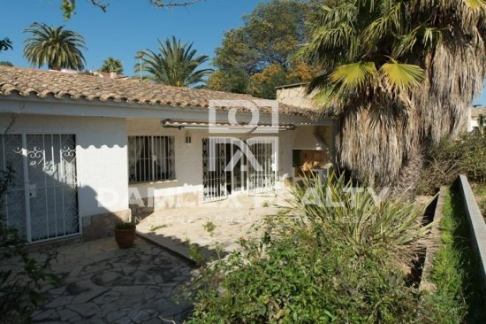 The house in the residential area of Lloret de Mar