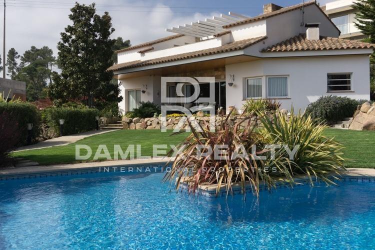 Villa with sea views in Calonge
