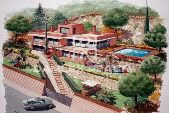 New villa with sea views in Begur
