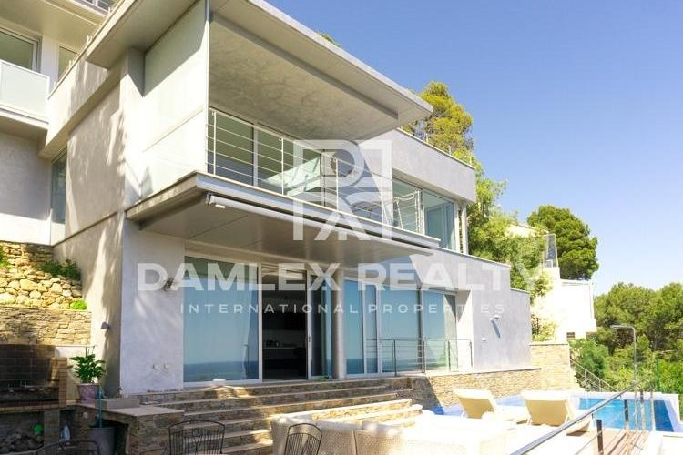 Luxury villa with sea views on the Costa Brava