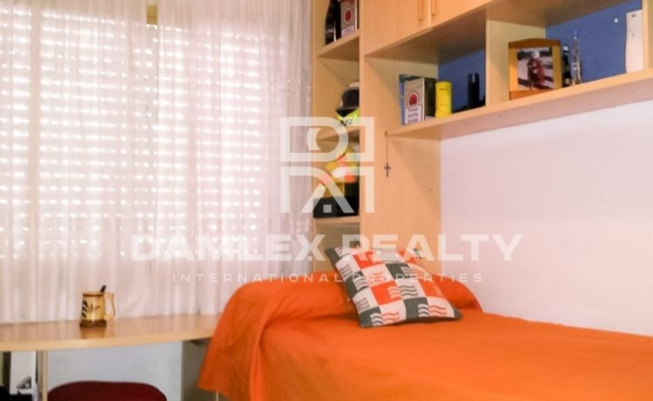 4 bedroom apartment 5 minutes walk from the beach. Costa Brava