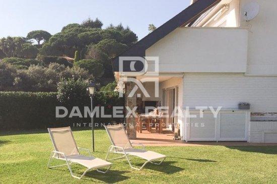 House / Villa with 7 rooms, plot 700m2, for sale in San Vicente de Montalt, Barcelona North Coast