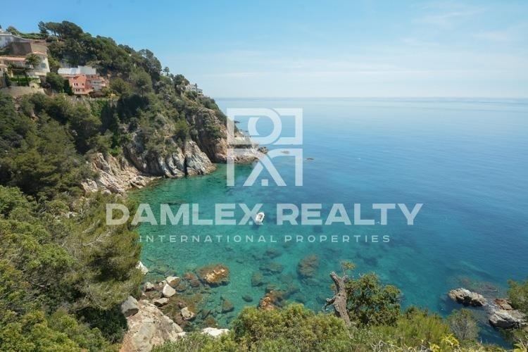 Exclusive villa in front of the sea. Costa Brava