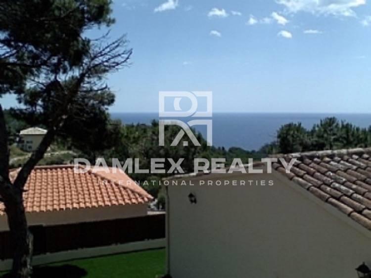 Cozy house with sea views in guarded urbanization. Costa Brava