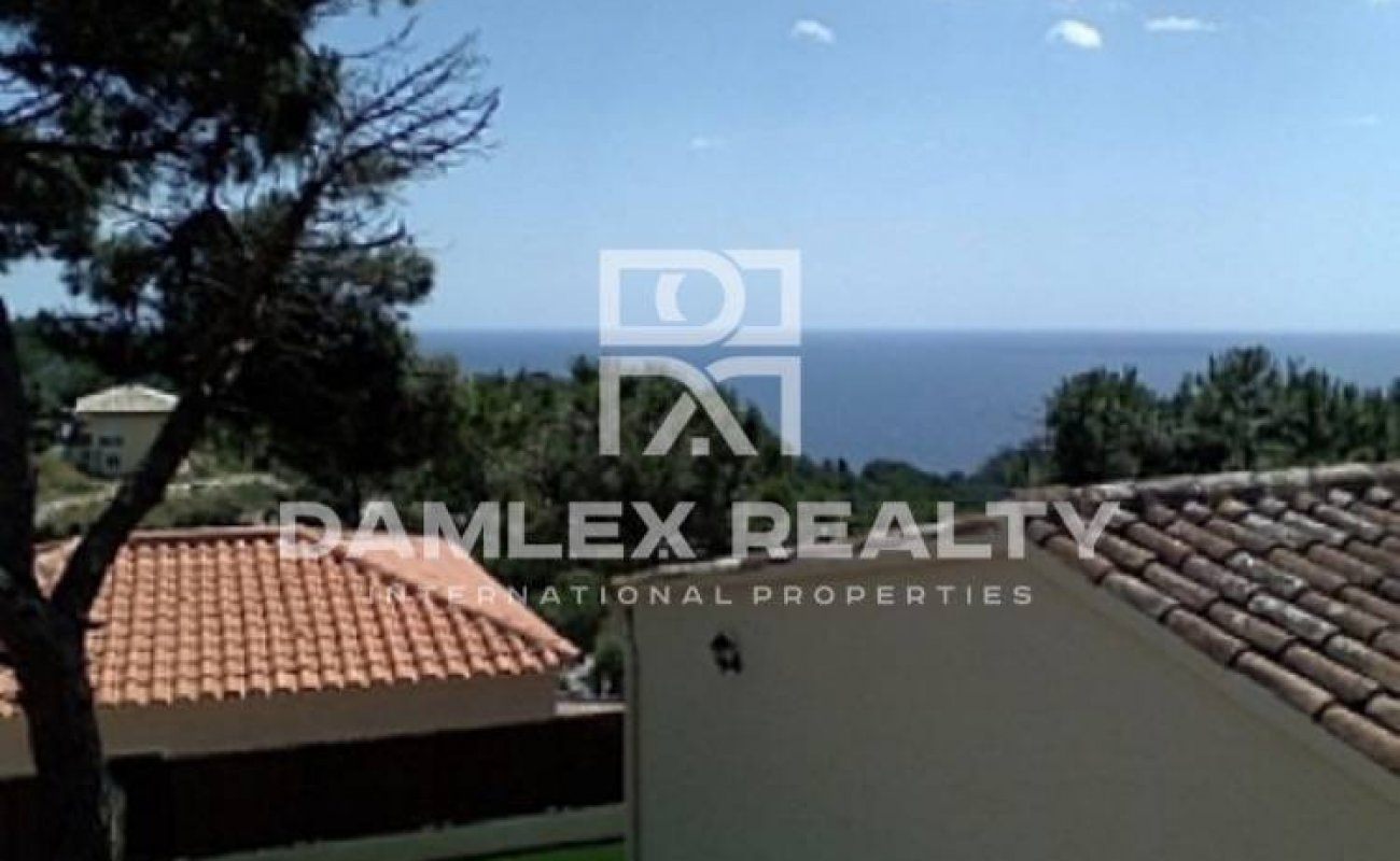 Cozy house with sea views in guarded urbanization. Costa Brava