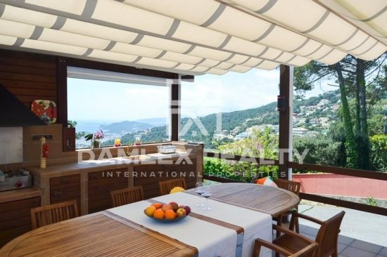 Villa with stunning sea views in Lloret de Mar