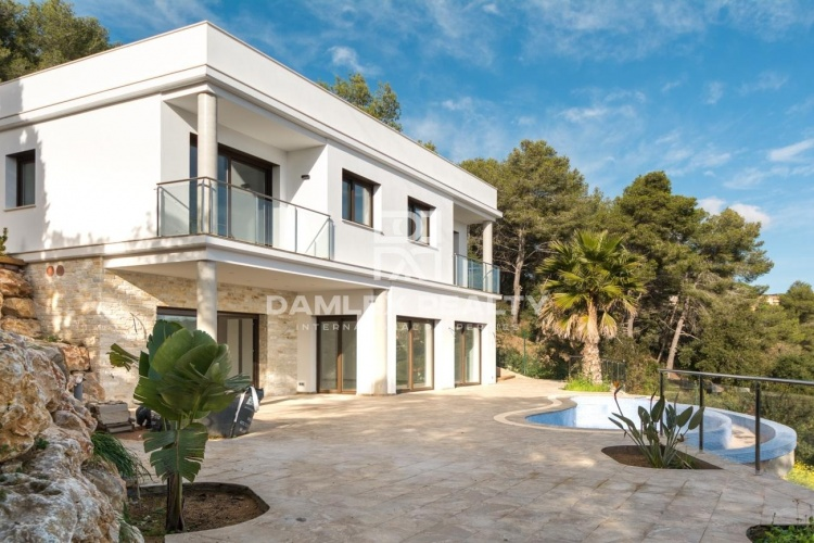 New villa in Costa Brava.