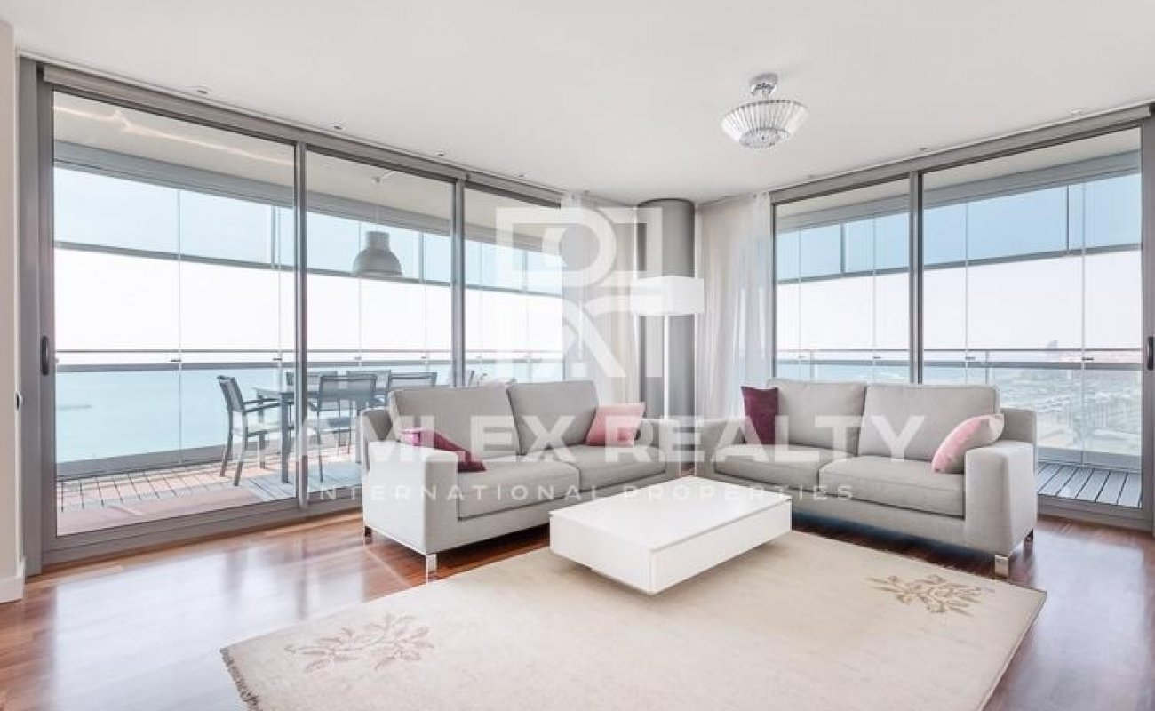 Luxury apartment on the seafront in Barcelona