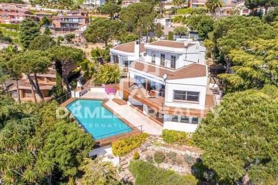 Luxury villa with sea views near Barcelona.