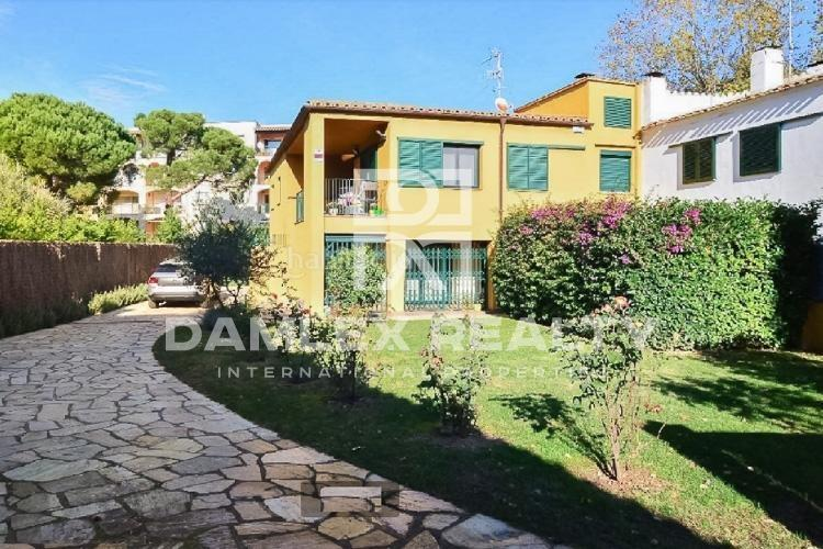House with pool, 300 meters from the beach. Costa Brava