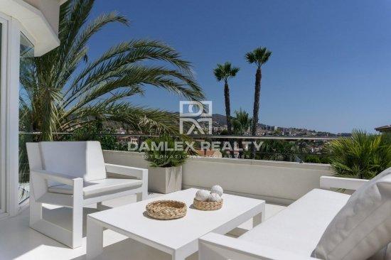 Impressive villa in the prestigious urbanization of Can Teixido in Alella