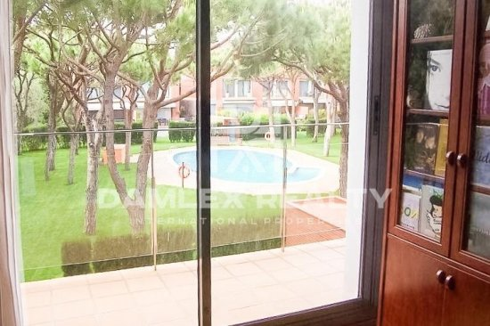 Townhouse on the first line of the sea in Gava Mar.