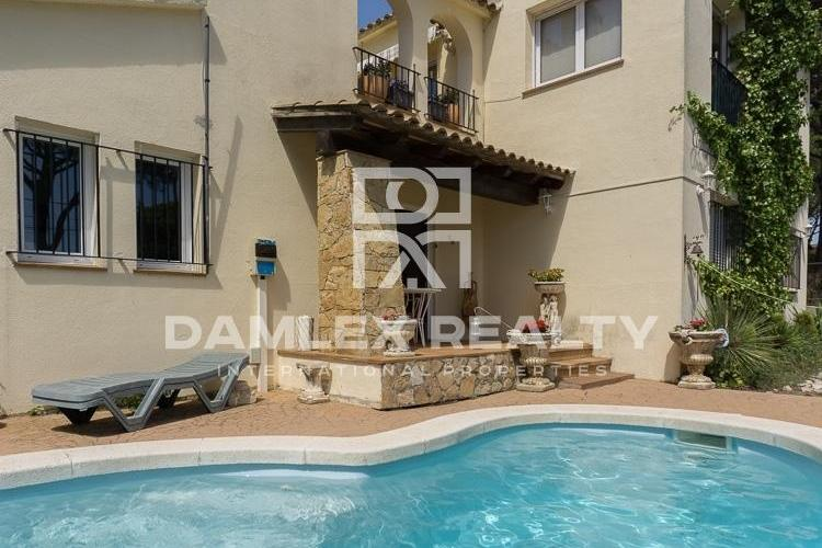 House within 450 meters from the beach of Pals, Costa Brava