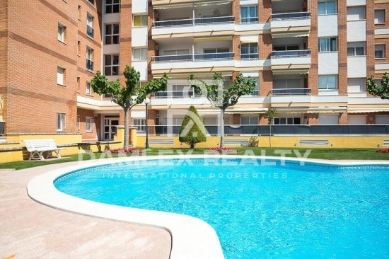 Apartments in Lloret de Mar near sea.