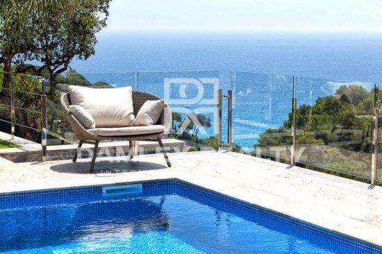 Villa in the best urbanization of Tossa de Mar