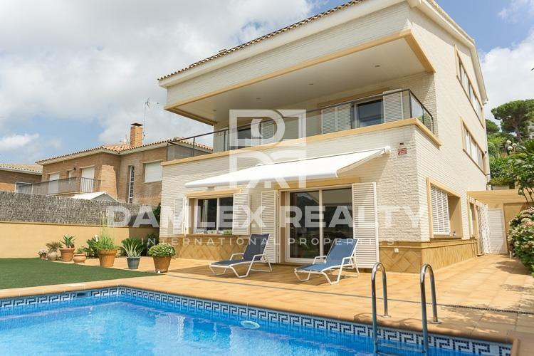 Villa with sea views in Vilassar de Dalt. Coast of Barcelona.