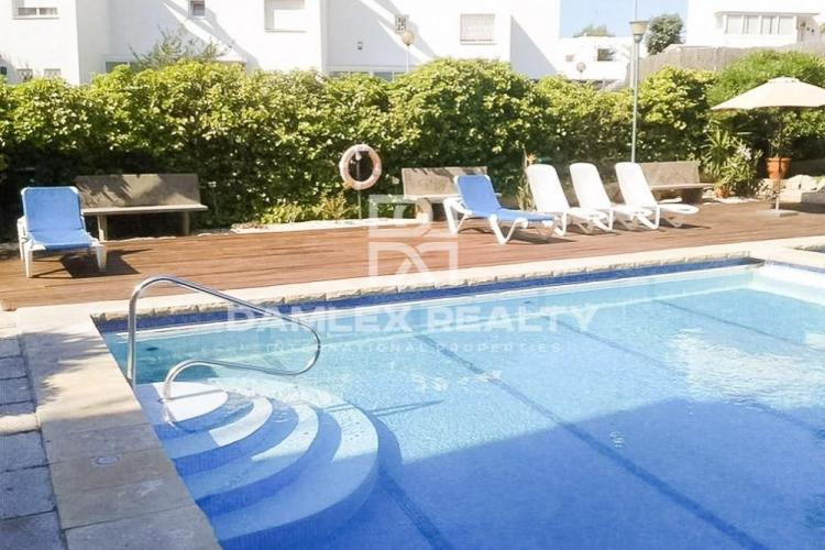 The apartment is 15 minutes walk from the beach. Coast of Barcelona