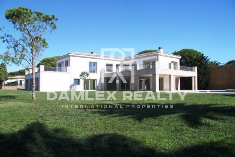 Costa Brava. New villa with beautiful sea views