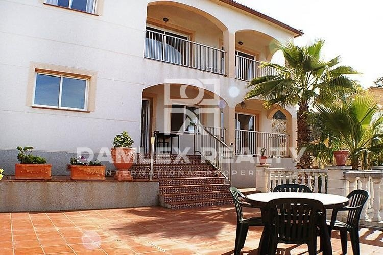 Villa 10 minutes drive from the center of Lloret de Mar