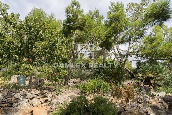 Villa with sea views. Castelldefels